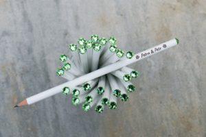 Svatební tužka s rytinou a zeleným krystalem Swarovski