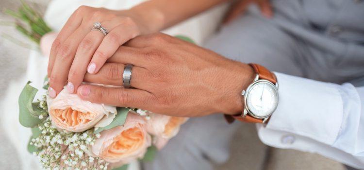 Jak požádat o peníze místo svatebního daru?